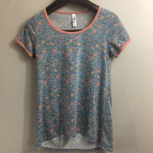 Lularoe floral classic tee. Blue/Coral. Size XXS